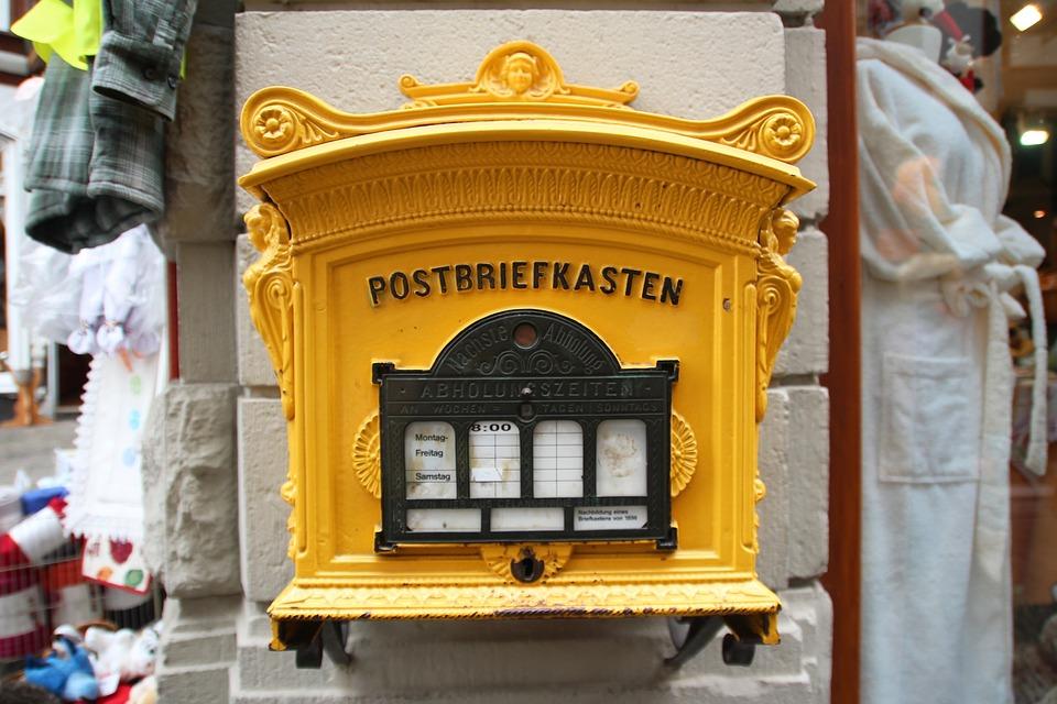 Briefkasten_gelb